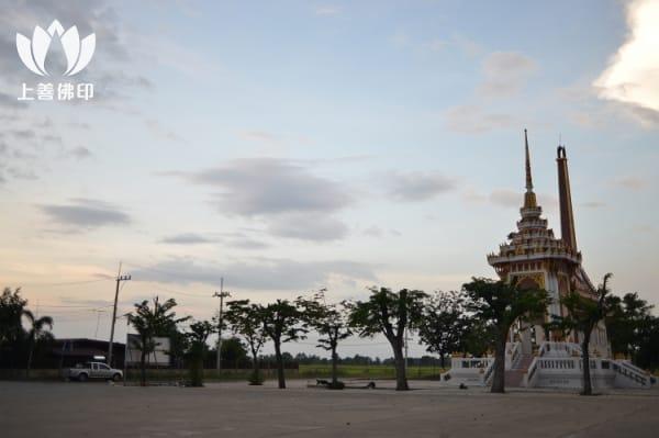Wat Pom Kaew 龍婆碰